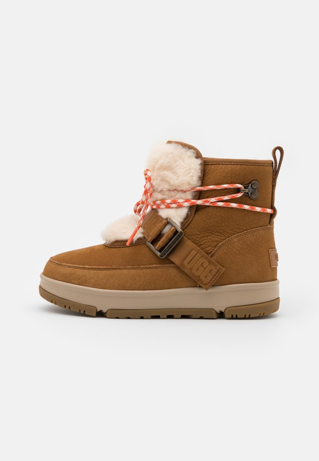 CLASSIC WEATHER HIKER - Snowboots  - chestnut