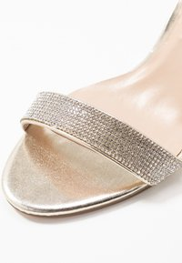 Dorothy Perkins - BLINGER TRIM  - Sandaler - gold - 2