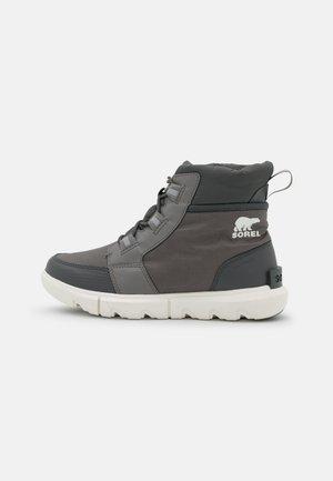 SOREL EXPLORER CARNIVAL - Winter boots - quarry/sea salt