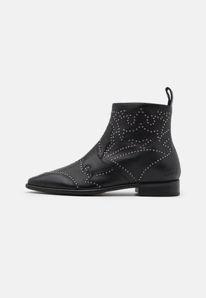 TRACEY  - Cowboy/biker ankle boot - black