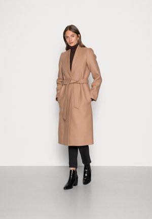 CHRISTINA - Klasyczny płaszcz - camel