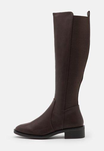 PLAIN STRETCH BACK  - Vysoká obuv - mid brown