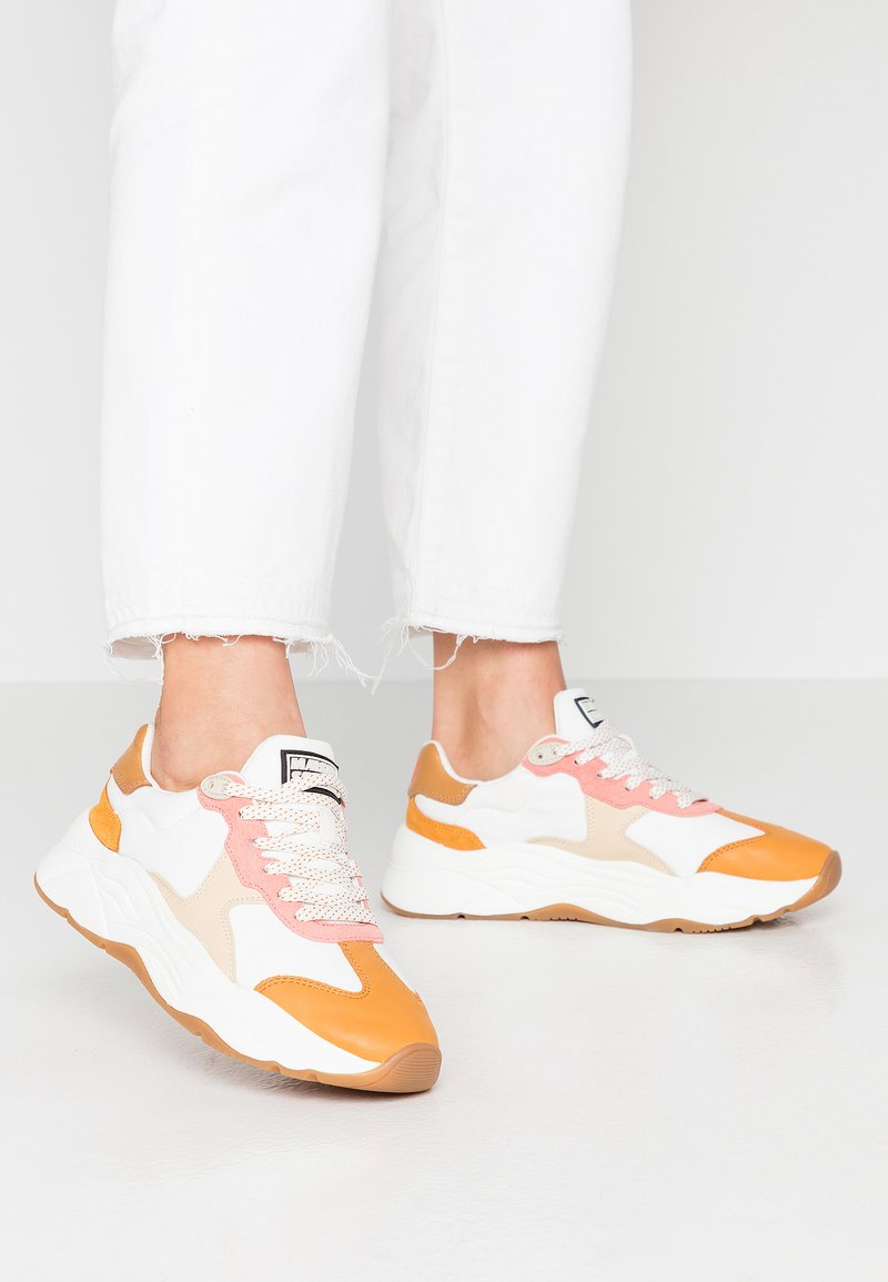 Scotch & Soda - CELEST - Sneakers laag - white/pink/multicolor