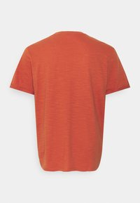 Jack & Jones - JPRBLABEACH TEE SOLID - Print T-shirt - mecca orange - 1