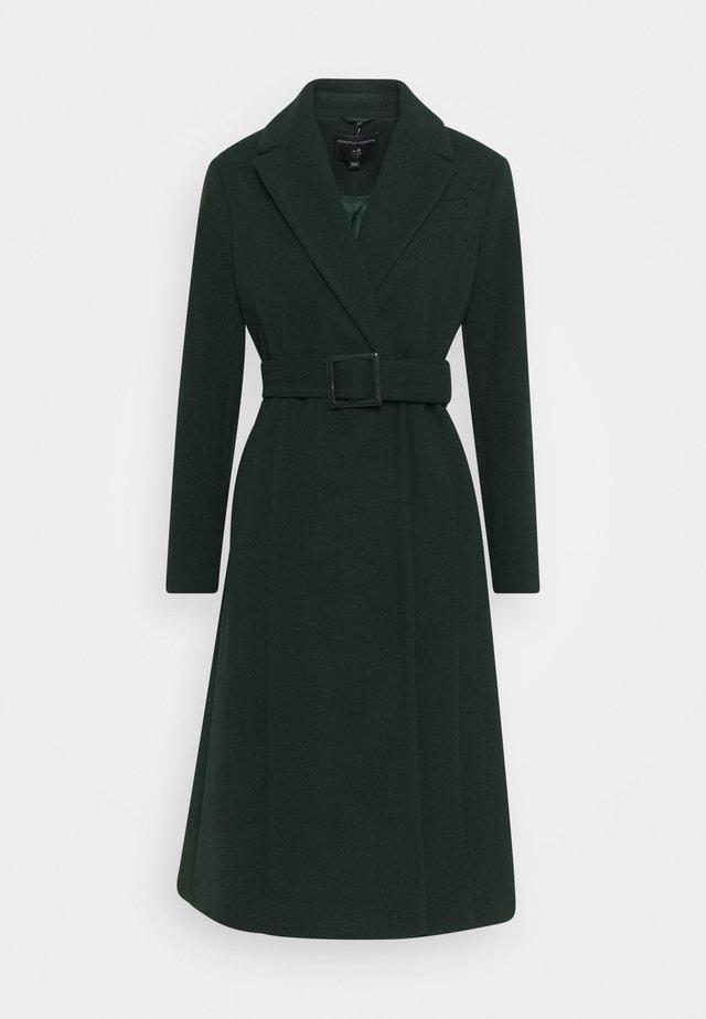BELTED WRAP COAT - Zimní kabát - emerald green