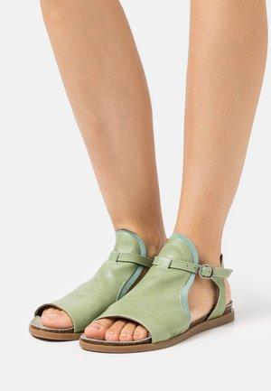 Sandals - pesto