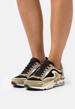 Trainers - kaki
