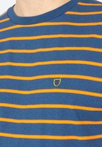 Brixton - Print T-shirt - joe blue - 3