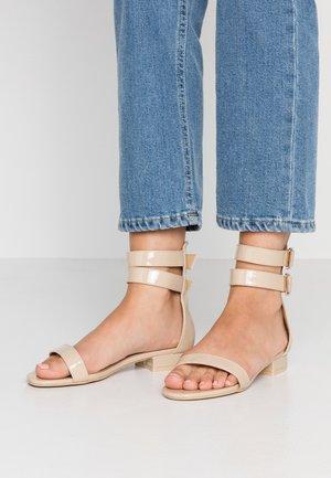 TRINITY - Sandals - nude
