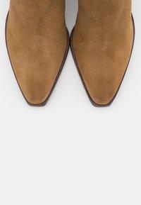 Belstaff - CHEYNE - Kotníková obuv - tabacco - 5