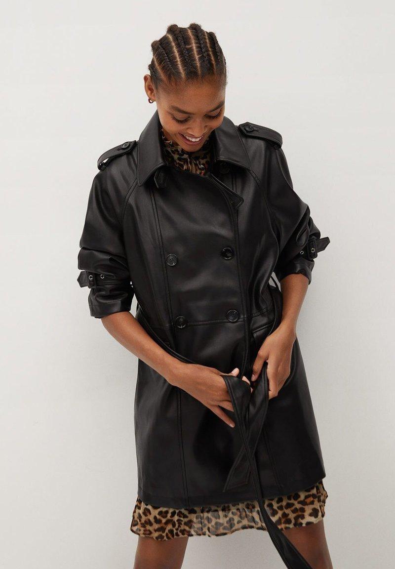 Mango - CLAUDIA - Krátký kabát - black