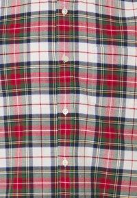 GAP - SLIM OXFORD - Skjorta - stewart plaid red - 2
