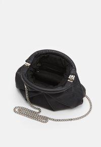 Núnoo - MINI SAKI - Across body bag - black - 2
