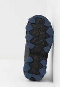 Geox - BULLER BOY - Zapatillas - navy/grey - 5