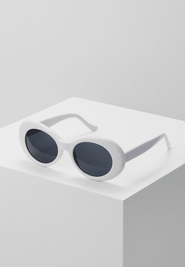COBAIN - Zonnebril - white/smoke
