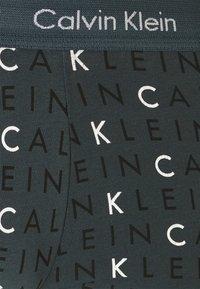 Calvin Klein Underwear - LOW RISE TRUNK 3 PACK - Culotte - hemispere blue/black - 7