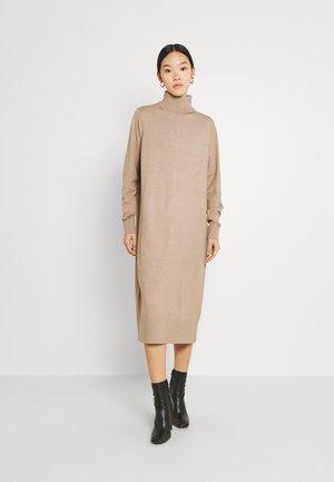 BYMILO LONG DRESS - Jumper dress - tannin melange