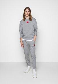 HUGO - DIRAGOL - Sweatshirt - silver - 1
