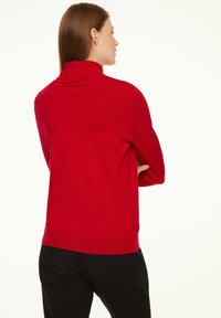 comma casual identity - MIT ROLLKRAGEN - Jumper - scarlet red - 2