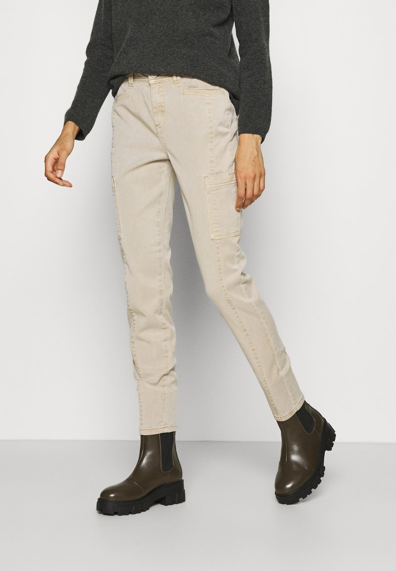 comma casual identity - HOSE LANG - Chinos - sand