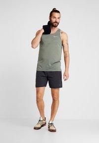 Nike Performance - DRY COOL MILER TANK - Funktionströja - juniper fog/silver - 1
