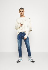 Replay - TITANIUM MAX - Jeans slim fit - medium blue - 1