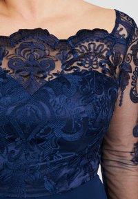 Chi Chi London Curvy - CARMELLA DRESS - Cocktail dress / Party dress - navy - 5