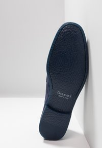Doucal's - PENNY LOAFER - Mocassini eleganti - indaco - 4