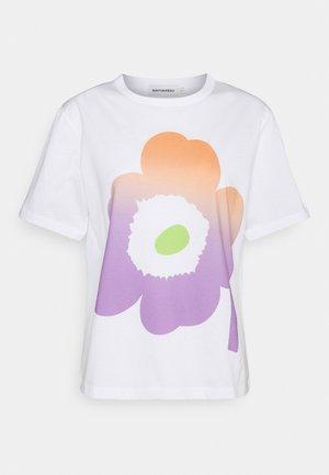 KAPINA UNIKKO  - Printtipaita - off white/green/violet