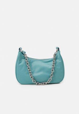 CHAIN HANDBAG - Håndtasker - aqua blue