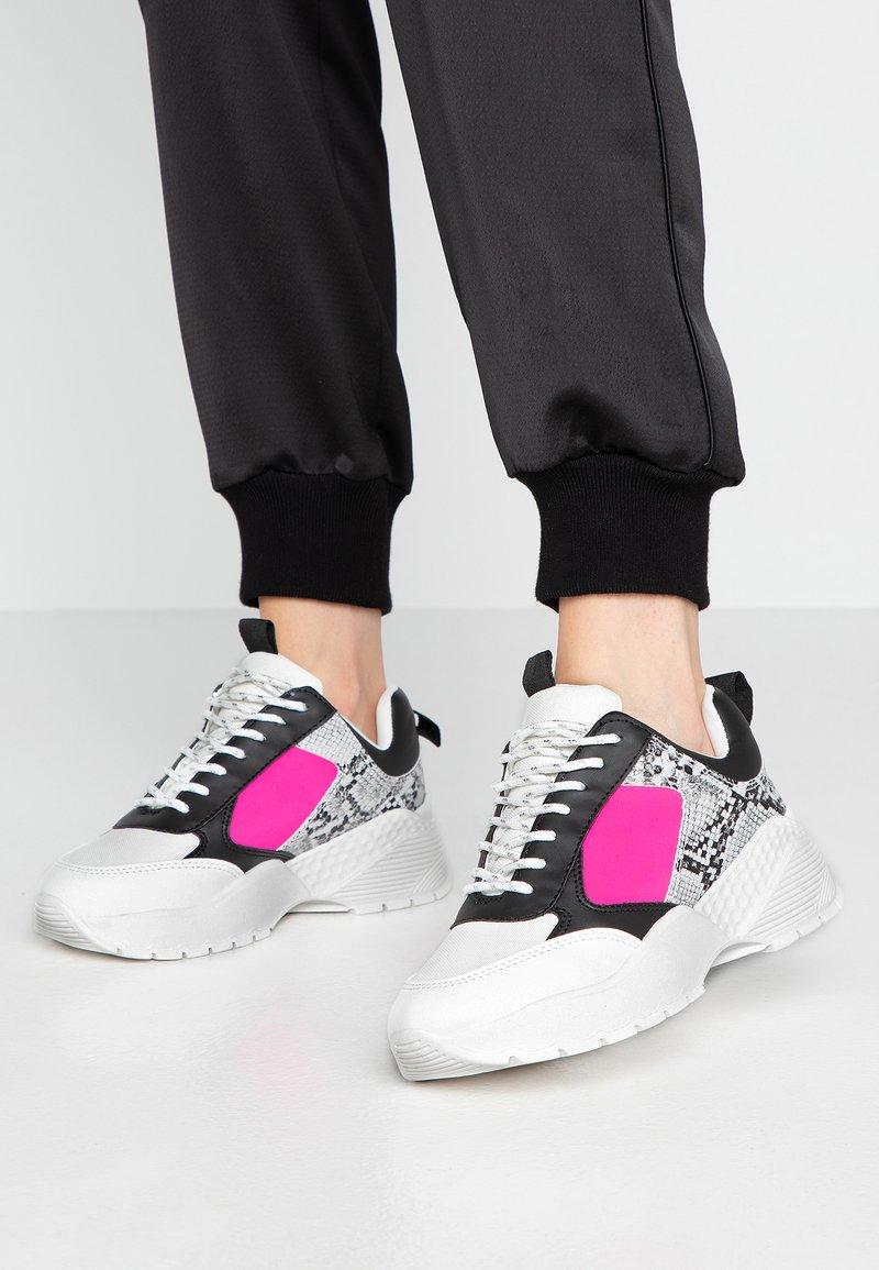 Miss Selfridge - TALLULAH CHUNKY - Trainers - pink