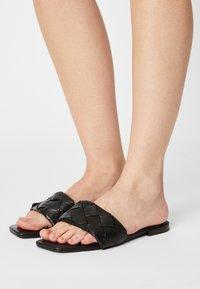 Vero Moda - VMMAY - Sandaler - black - 0