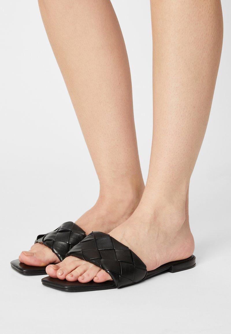 Vero Moda - VMMAY - Sandaler - black