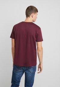 Esprit - LOGO - T-shirt z nadrukiem - bordeaux - 2