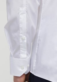 HUGO - ELISHA EXTRA SLIM FIT - Zakelijk overhemd - open white - 5