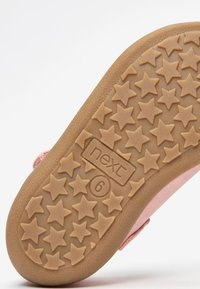 Next - WHITE BUTTERFLY MARY JANE SHOES (YOUNGER) - Babies - pink - 4