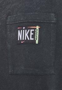 Nike Sportswear - Trikoomekko - black - 6