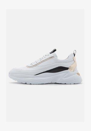 SKIPPER - Trainers - bianco/platin