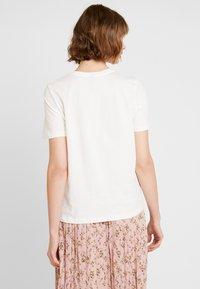Vero Moda - VMKALOPSIA - Print T-shirt - snow white - 2
