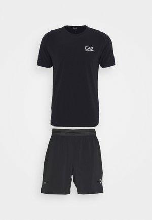 TUTA SPORTIVA SET - Shorts - black