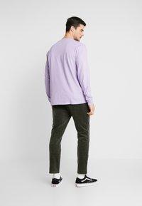 Carhartt WIP - POCKET  - Long sleeved top - soft lavender - 2