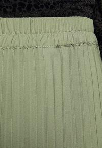 Selected Femme Petite - SLFJOSIE MIDI SKIRT PETITE - A-line skirt - oil green - 4