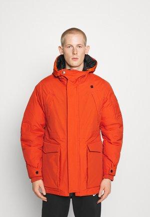 EXPEDIC+ HOODED DOWN - Down coat - hide nylon wr - royal orange