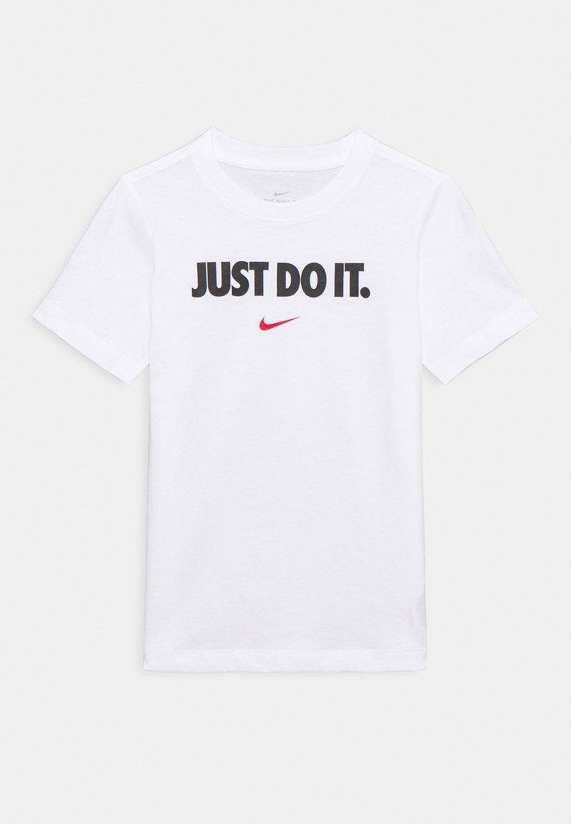 Nike Sportswear - TEE UNISEX - Camiseta estampada - white/university red