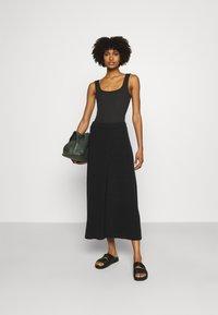 CLOSED - AGDA - Maxi skirt - black - 1