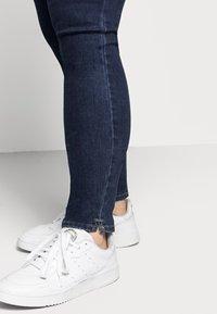 ONLY Carmakoma - CAROP LIFE SUPER - Jeans Skinny Fit - dark blue denim - 4