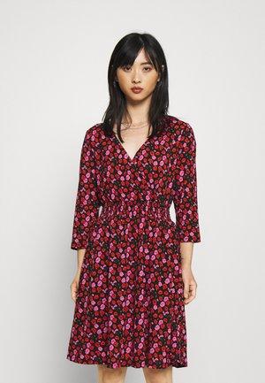 ONLPELLA 3/4 WRAP SHORT DRESS - Jersey dress - black/orange