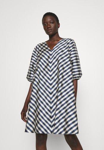 PARSLEY ALLURE DRESS - Denní šaty - light blue