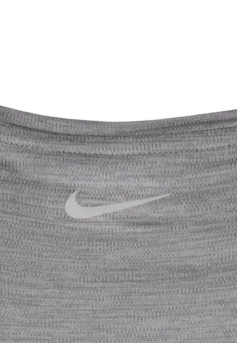 Nike Performance MILER V NECK - Print T-shirt - gray 0xDej