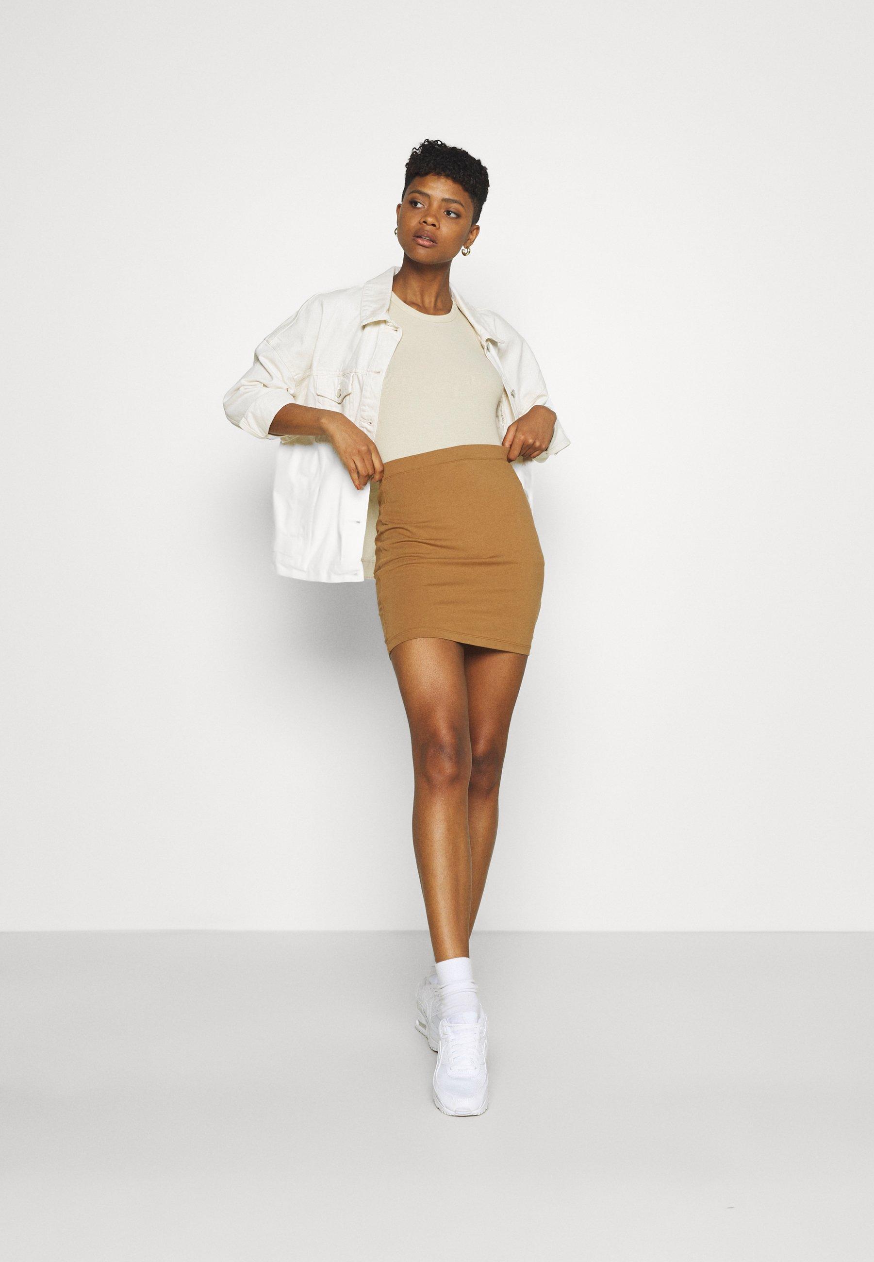 Femme 2 PACK - Minijupe
